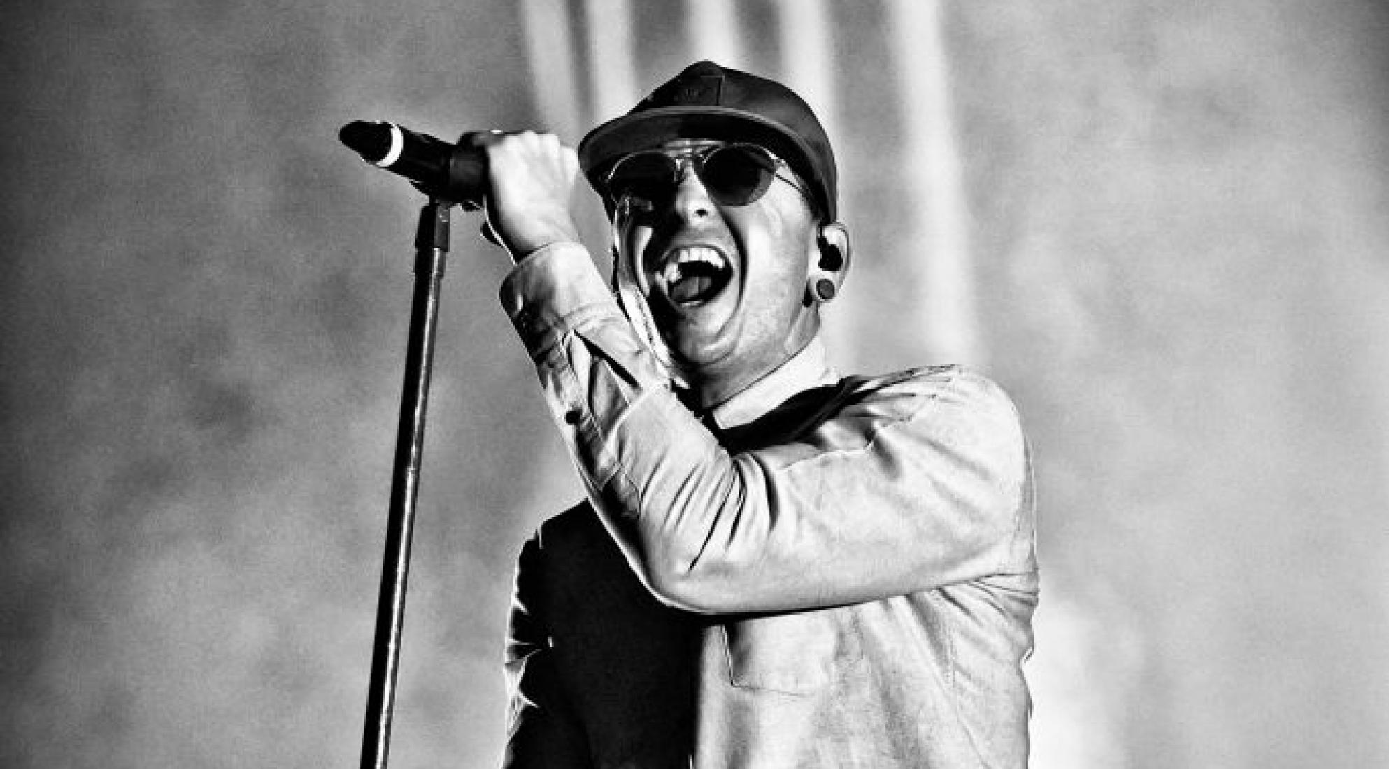 Chester Bennington performs with Linkin Park June 2017