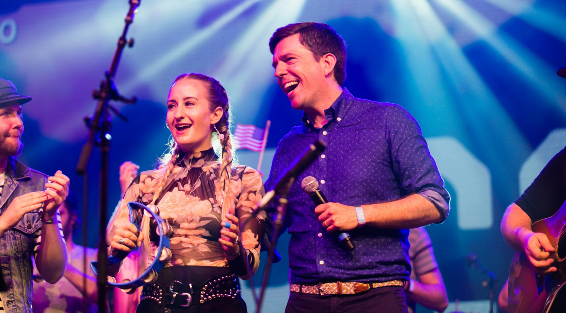 Ed Helms (R) performs withMargo Price
