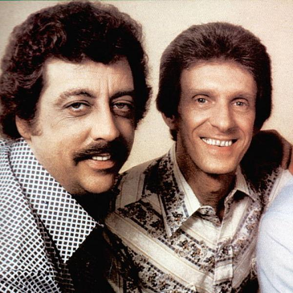 Harold Reid (L) of The Statler Brothers