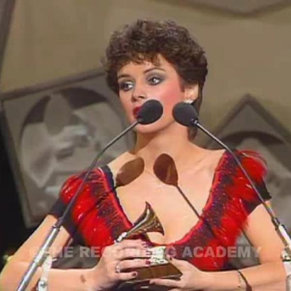 Sheena Easton Wins Best New Artist
