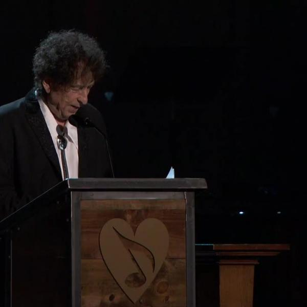 Springsteen, Beck lead Bob Dylan MusiCares tribute