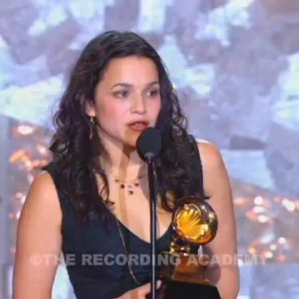 Norah Jones wins Best New Artist GRAMMY