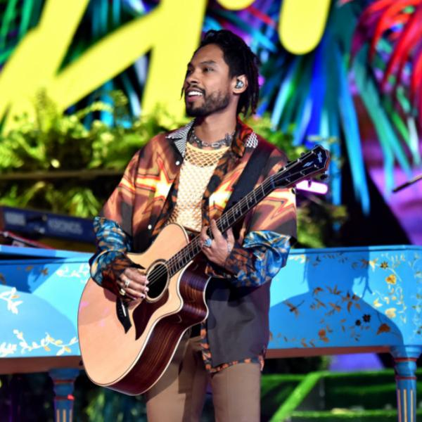Miguel performs at the 2019 Latin GRAMMYs