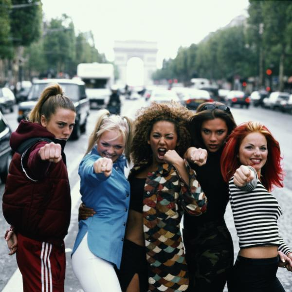 Photo of English pop group Spice Girls pose in Paris in September 1996