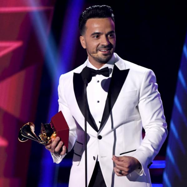 Luis Fonsi at the 18th Latin GRAMMY Awards