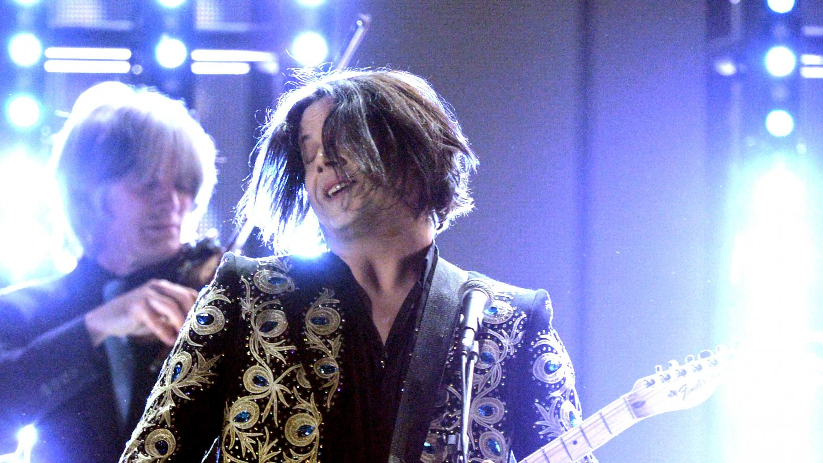 Jack White performs live