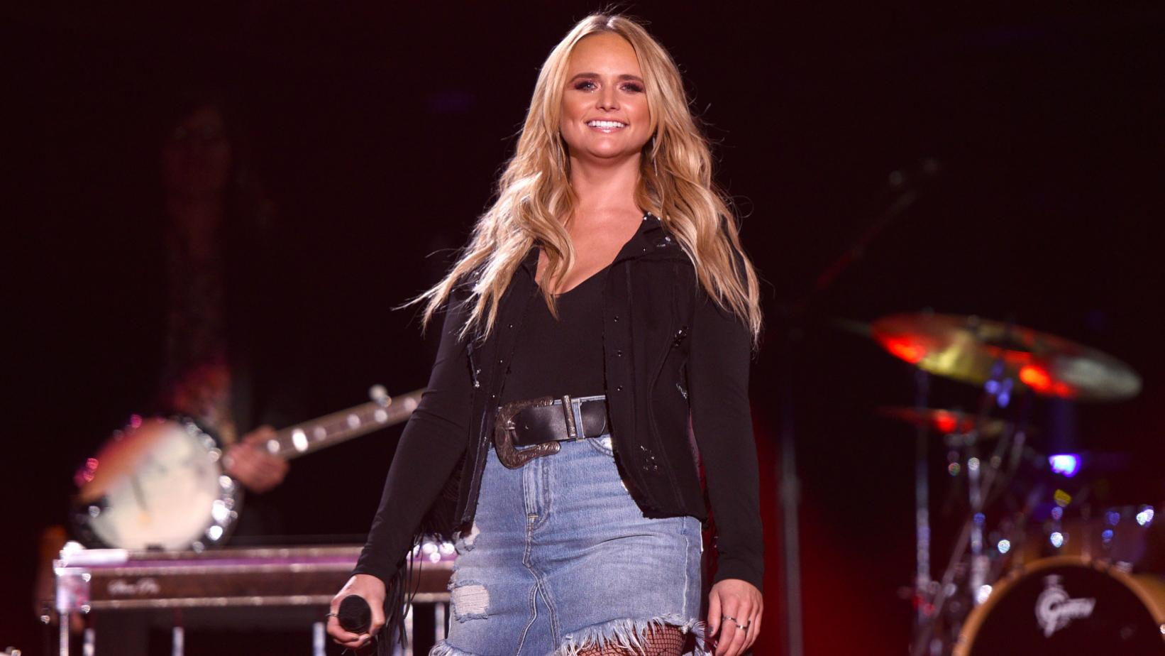 Miranda Lambert performs live in 2017
