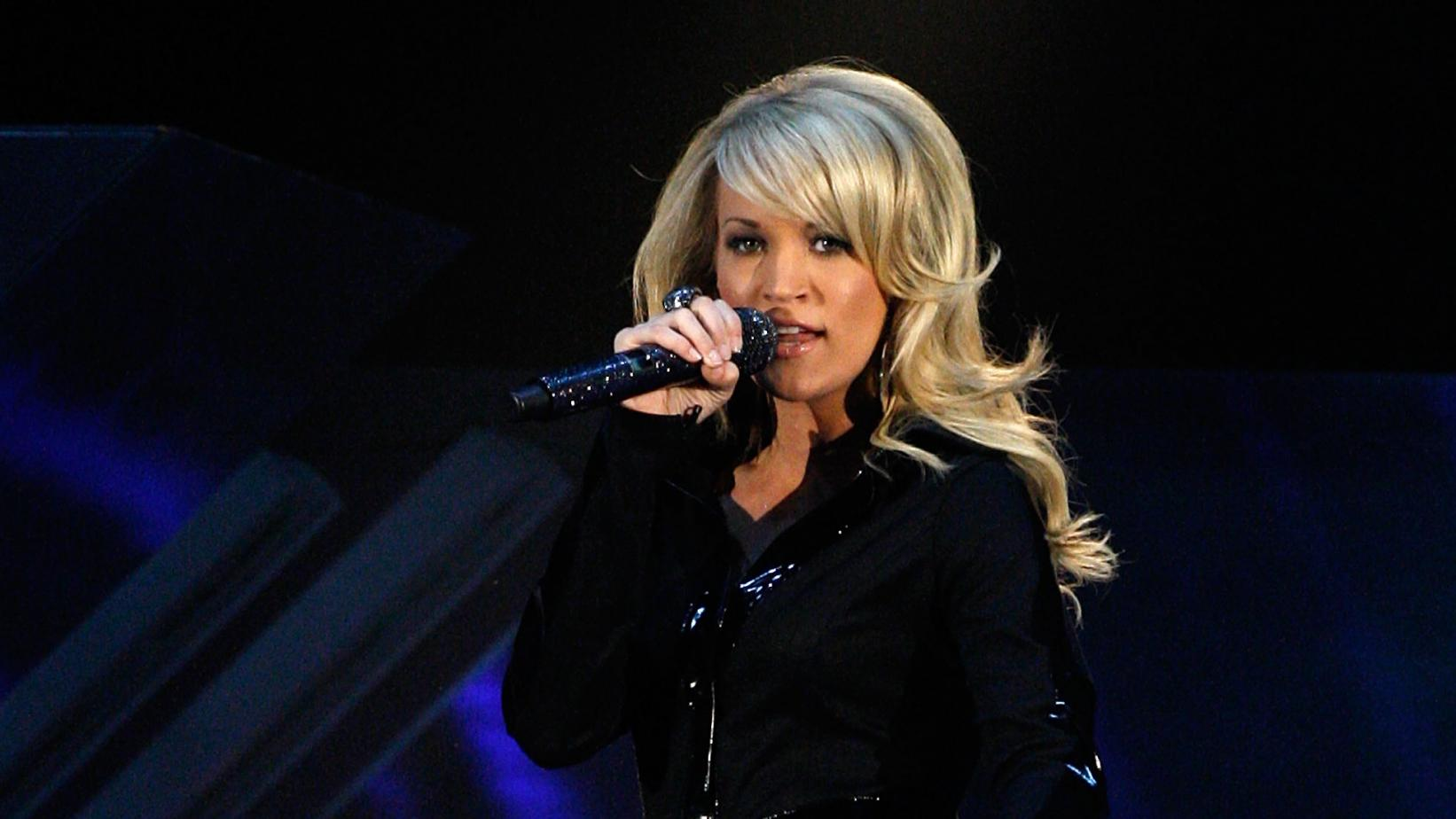 Carrie Underwood performs at the 2008 GRAMMYs
