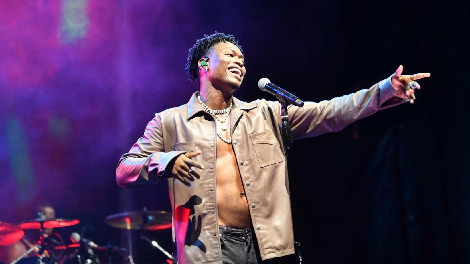 Lucky Daye performs on stage at 2021 Essence Festival Of Culture