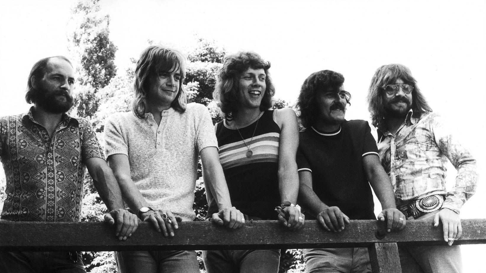 The Moody Blues' Mike Pinder, Justin Hayward, John Lodge, Ray Thomas, and Graeme Edge