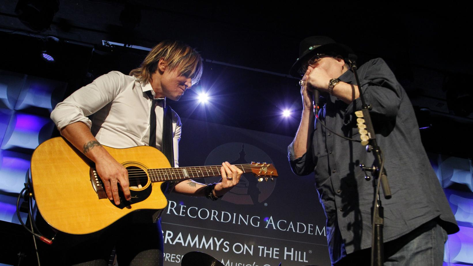 Keith Urban, John Popper perform at GRAMMYs on the Hill