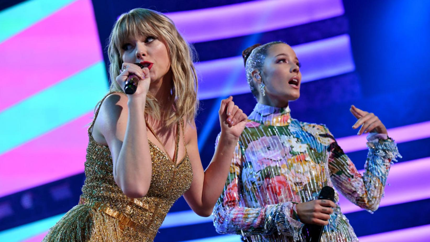 Taylor Swift and Halsey perform at the 2019 American Music Awards