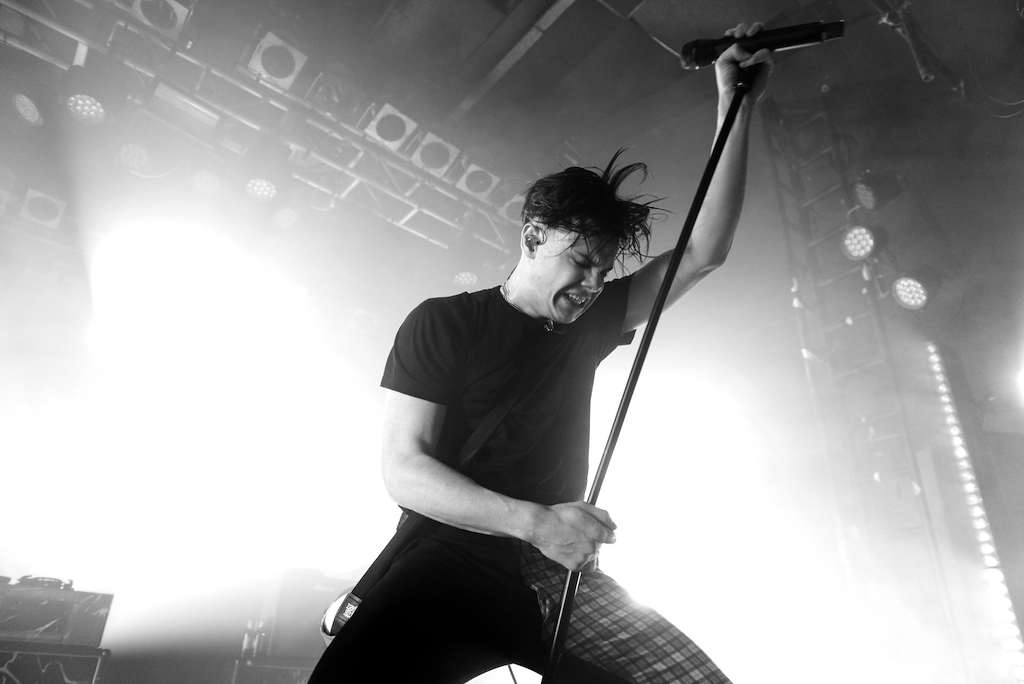 YUNGBLUD performs at the Electric Ballroom in 2019